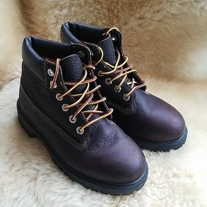 Timberland full-grain leather boot // size 1.5